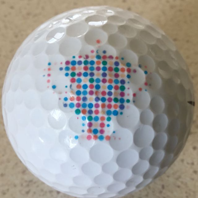 Trophy made of dots